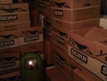 Alt vores gods, samlet i kasser - i må selv tælle hvor mange der er:)