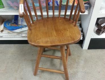 Den fineste genbrugsstol, og så kan toppe dreje rundt - 25 kroner!