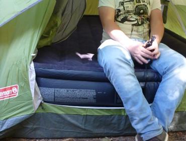 Ehm, vores Madreas er liidt høj ifht. teltet,