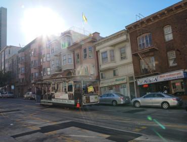 Sporvogn i sollys - SF er en dejlig by, kom nu på besøg:)
