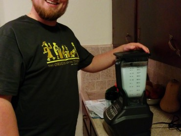 MIkael med sine fine gaver, sin PhD t-shirt og Ninja blender (hvor fedt et brand er det ikke lige!?!)