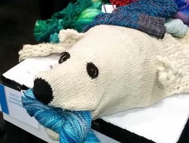Nå ja jeg har også været på garnmesse, og faldt over denne fantastiske isbjørn!