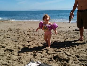 Ava er ret begejstret for strandtid