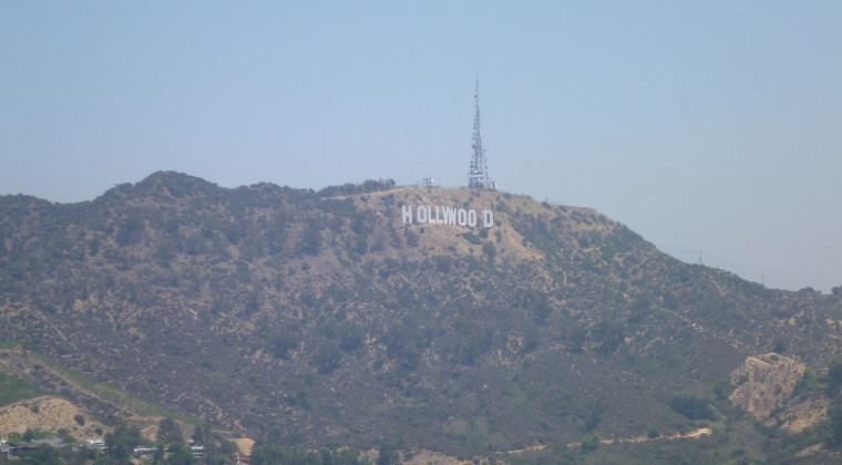 Skiltet lidt tættere på (jeg synes måske ikke rigtig de kan reklamerer med på hjemmesiden at man kommer op til hollywood-skiltet!)