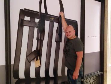 Jesper vil gerne have en ny taske...