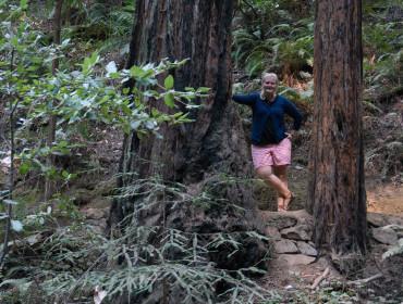 Jeg hænger lige ud med træerne