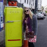 Vi fandt mange Henry støvsugere mens vi boede i Irland. Ham havde vi da jeg var barn. Her den aller, aller første dag, og så kunne det jo ikke gå helt galt.